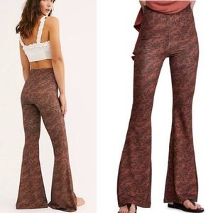 NWT Free People Harper Printed Flared Pull On Pant